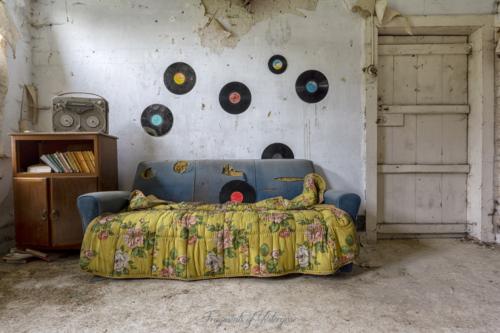 Villa Vinyl